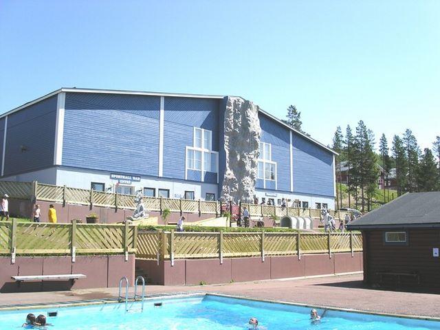 Strukturklättervägg 12m byggd i Idré.