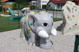 Klättring på lekplats